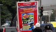 Meme Tertib Berlalu Lintas Mejeng di Bandung
