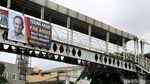 Spanduk Terima Kasih untuk Gubernur Anies Mejeng di JPO Ibu Kota