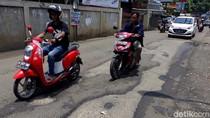 Waspada, Jalan Bintara Jaya Bekasi Rusak Parah