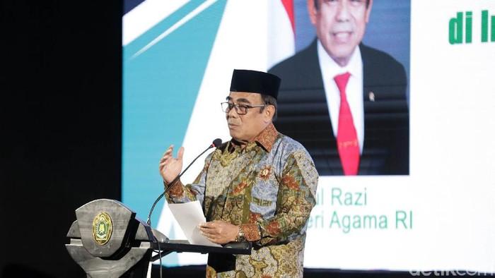 Dirjen Bimas Islam Kementerian Agama, Muhammadiyah Amin, Mentri Agama Fachrul Razi,  Ketua komisi VIII Yandri susanto saat membuka Rakernas 2020 mengambil tema Pengarusutamaan Gerakan Moderasi Beragama di Indonesia Melalui Pendekatan Dakwah, Budaya Dan Pemberdayaan Ekonomi Umat di Gedung Kementrian Agama, Jakarta, Senin (3/2/2020). Rapat kerja tersebut memfokuskan pembinaan aparatur Kementerian Agama menjadi agen moderasi beragama untuk menjaga kerukunan dan toleransi antar umat beragama