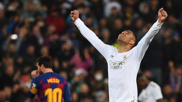 Real Madrid mengalahkan Barcelona dengan skor 2-0.