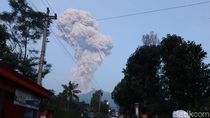 Foto: Merapi Kembali Batuk Muntahkan Abu Vulkanik