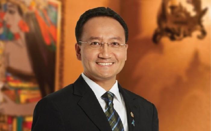 Yos Santoso, komisaris Indodax