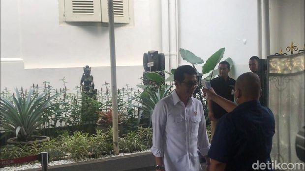 Menteri-menteri Jokowi Juga Diperiksa Suhu Tubuhnya di Istana