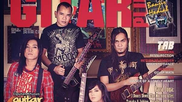 Prisa Rianzi: Dewi Gitar, Nyaris Bunuh Diri dan Jadi Hot Mom
