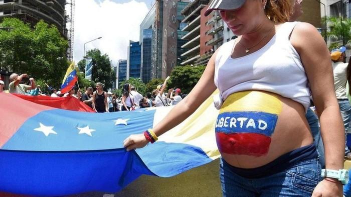 Krisis ekonomi yang menyebabkan para ibu di Venezuela membuang bayinya