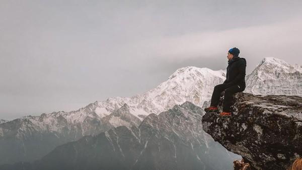Bagi para pejalan yang menjelajahi kawasan populer Annapurna di Nepal, memang dapat menikmati pengalaman melihat barisan Pegunungan Himalaya yang kerap disebut atap dunia(nikitawillyofficial94/Instagram)