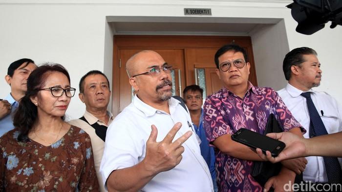 Sejumlah warga korban banjir Jakarta hadiri sidang gugatan terhadap Gubernur Anies Baswedan. Sidang itu digelar di PN Jakarta Pusat.