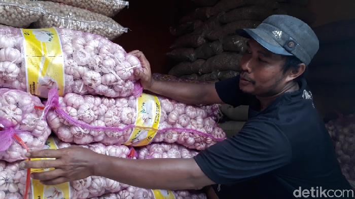 Bawang putih impor dari China
