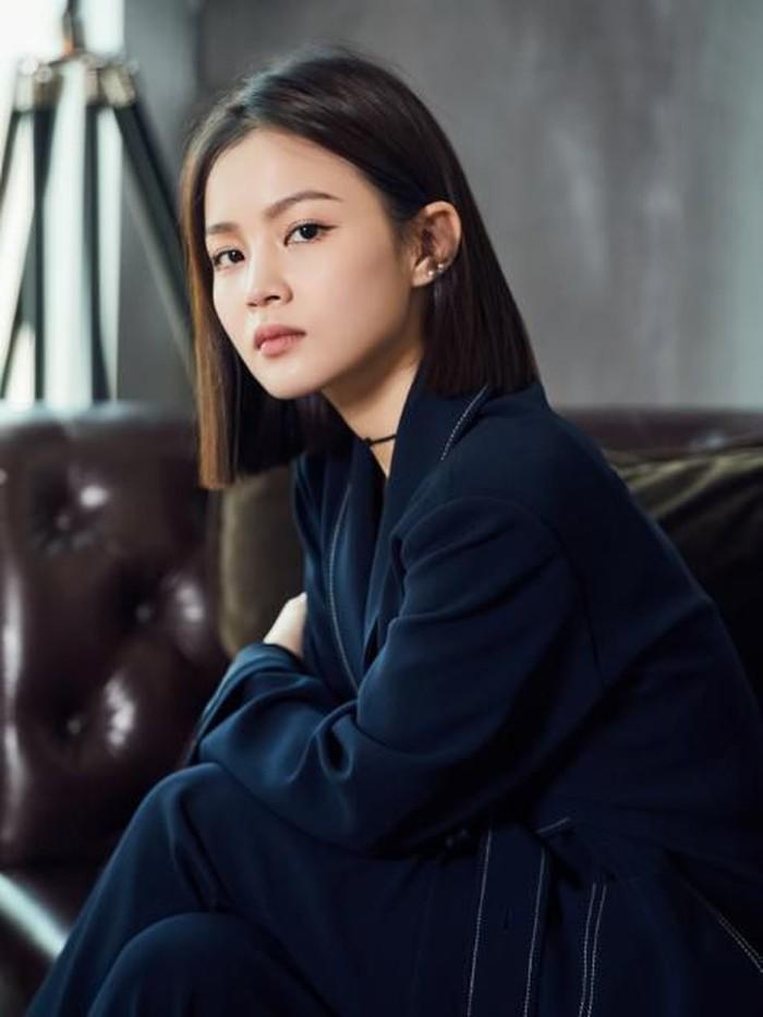 Solois K-Pop Lee Hi