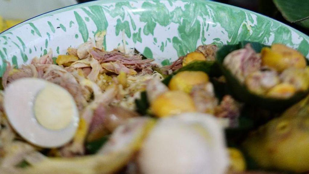 Nasi Liwet Mbok Parmi yang Diracik dengan Rempah Komplet dan Miroso