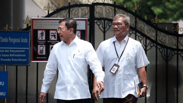 Sekretaris Ditjen P2P Kemenkes Achmad Yurianto ditunjuk Presiden Joko Widodo (Jokowi) menjadi juru bicara terkait virus corona. Yuri akan memberikan keterangan secara berkala soal kasus ini.