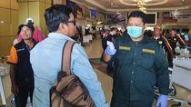 Antisipasi Corona, Suhu Tubuh Penumpang di Bandara Sentani Papua Diperiksa