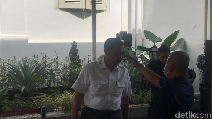 Menteri-menteri dicek suhu tubuh sebelum masuk ke Istana/Andhika detikcom