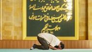Tentang Munfarid dan Sholat Sunnah yang Bisa Dilakukan Sendiri