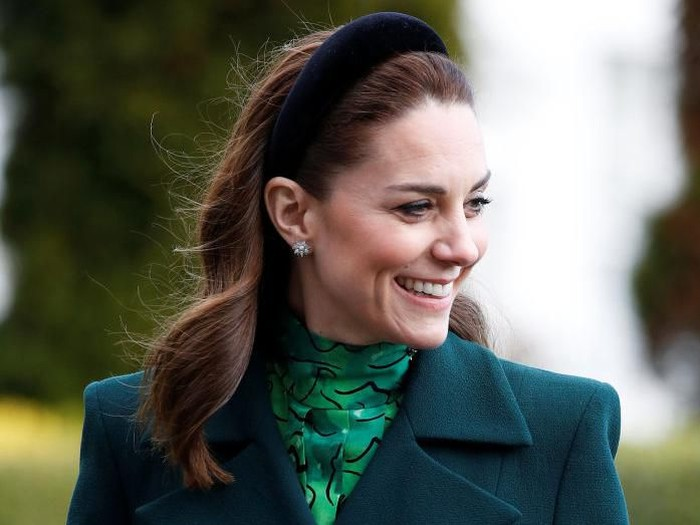 DUBLIN, IRELAND - MARCH 03: Prince William, Duke of Cambridge and his wife Catherine, Duchess of Cambridge, arrive to meet with Irelands President Michael D. Higgins and his wife Sabina Coyne at the official presidential residence Aras an Uachtarain on March 3, 2020 in Dublin, Ireland. (Photo by Phil Noble - Pool/Getty Images)