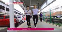 Haknyeon dan Hyunjae di Stasiun Bogor.