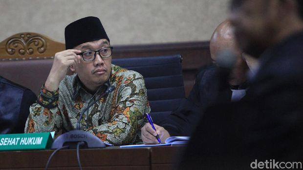 Debat Imam Nahwari vs Sesmenpora soal Acara di Istana: Cari Panggung!