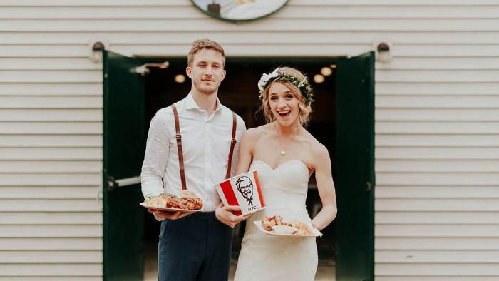 pernikahan tema fast food