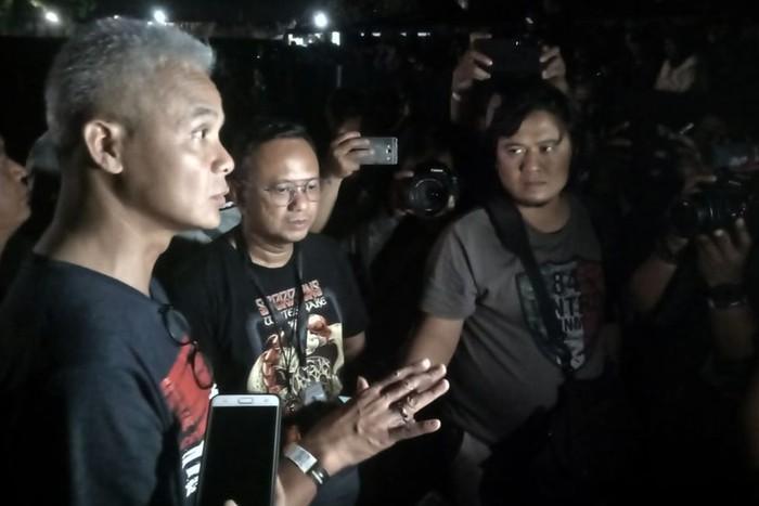 Gubernur Jawa Tengah, Ganjar Pranowo dan Anggota DPR RI Komisi VI, Marwan Jafar, turut menjadi saksi penampilan Whitesnake dan Scorpions di Stadion Kridosono, Yogyakarta.