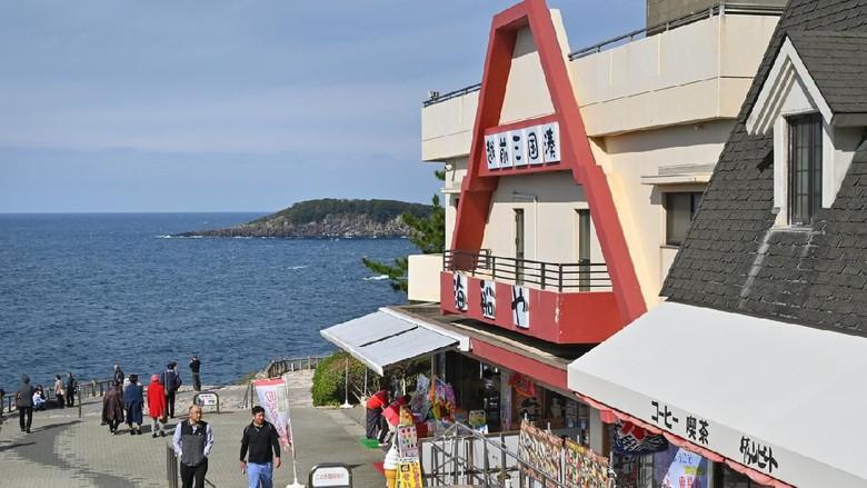 Potret Tebing Jepang yang Misterius