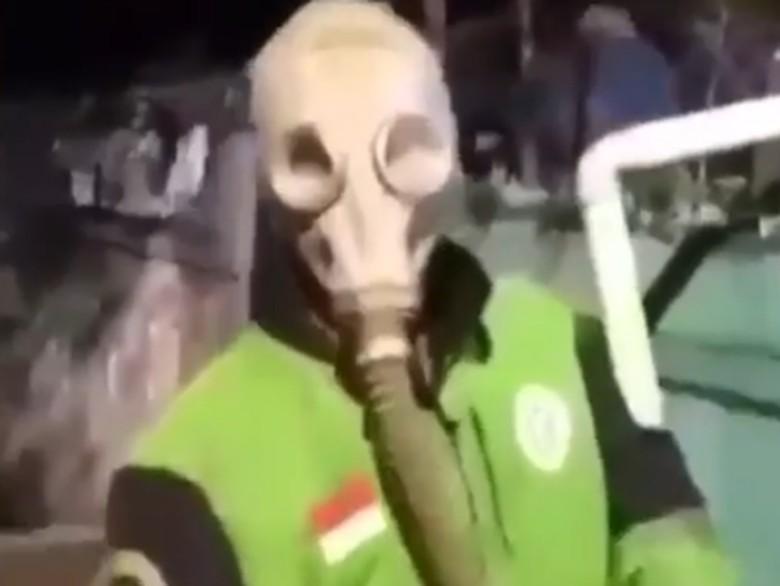 Ojol pakai masker radiasi untuk hindari corona