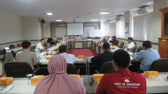Komisi E DPRD Sulsel rapat bahas penanganan virus corona. (Foto: Noval/detikcom)
