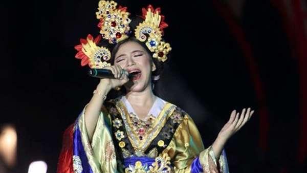 Tiara Idol, si Cantik nan Merdu yang Diperebutkan Dul dan Azriel Hermansyah