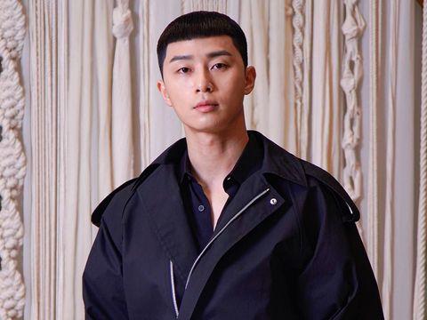 Park Seo Joon sebagai Park Saeroyi di 'Itaewon Class'