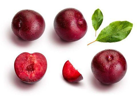 Manfaat buah plum merah.