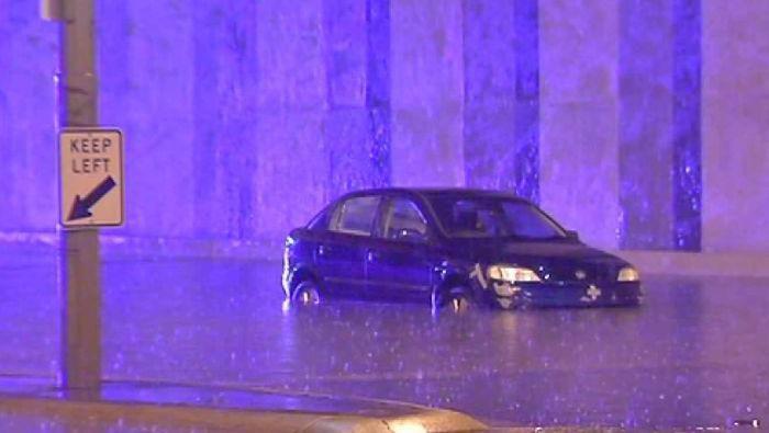 Curah hujan untuk sebulan menerpa Kota Melbourne hanya dalam sehari (5/3/2020), menyebabkan banjir di sejumlah lokasi.