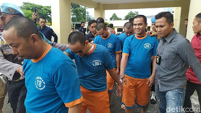 Polisi amankan lima pelaku pembuat STNK aspal