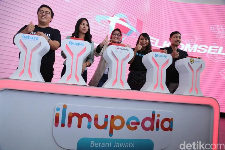 Telkomsel kembali menghadirkan inisiatif dalam mendukung kemajuan pendidikan di Indonesia melalui upaya penyediaan akses terhadap ilmu pengetahuan yang semakin inklusif. Inisiatif tersebut diwujudkan dalam bentuk paket data ilmupedia dan kuis ilmupedia Berani Jawab! (IBJ).