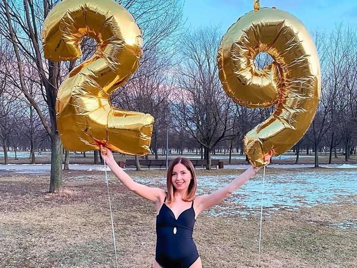 Selebgram Rusia Didenko Katerina membuat pesta kolam dengan dry ice, 3 orang tewas.