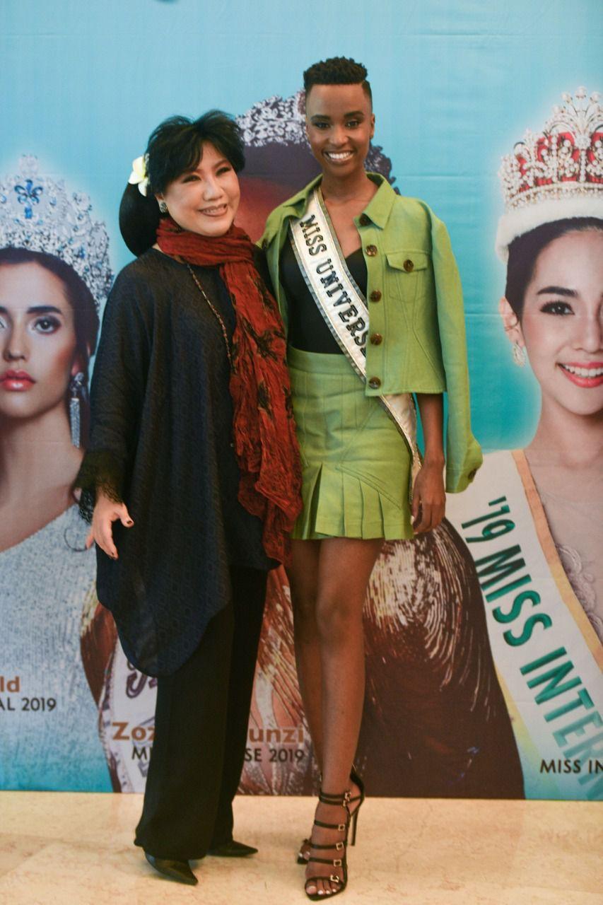 Anne Avantie Bertemu Miss Universe 2019