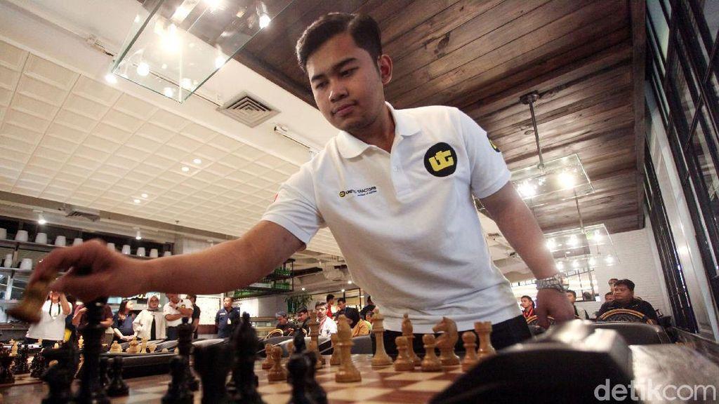 Perkenalkan Grandmaster Catur RI Novendra Priasmoro