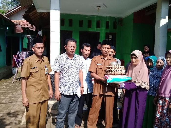 Kades-PNS di Pandeglang minta warga dukung bupati Irna Narulita dua periode