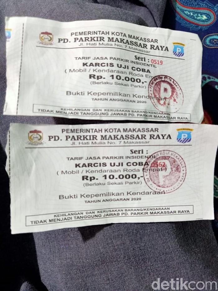 Viral karcis parkir Rp 10.000 per mobil di Makassar (dok. Istimewa)