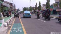 Alamak! Jalur Sepeda di Medan Malah Jadi Parkir Liar