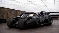 Tumbler yang muncul dalam Batman Begins dan The Dark Knight bisa dianggap yang paling ganas. Tampilan dan desainnya sangat kental nuansa militer. Bahkan ada yang menganggapnya seperti sebuah tank. (ist)