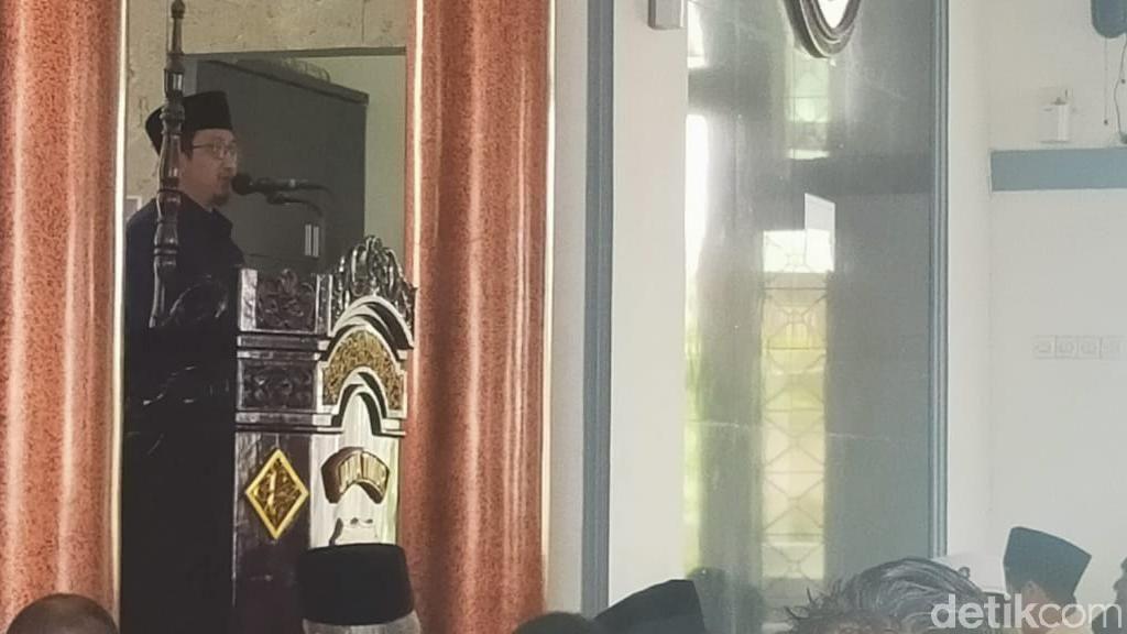 Usai Jalani Pemeriksaan, Yusuf Mansur Jadi Khatib dan Imam Salat Jumat