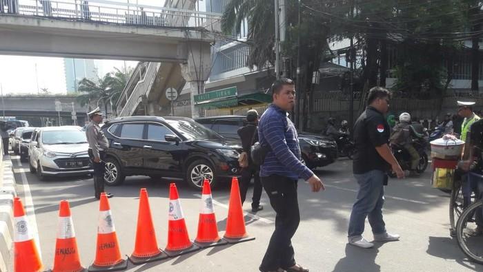 Pengalihan arus lalu lintas di Jl Rasuna Said