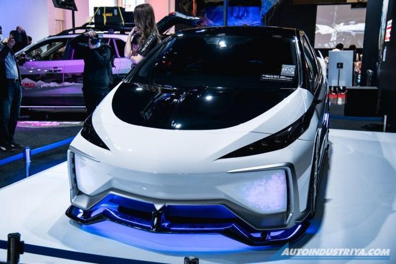 Toyota Ambivalent RD Prius PHV Concept.