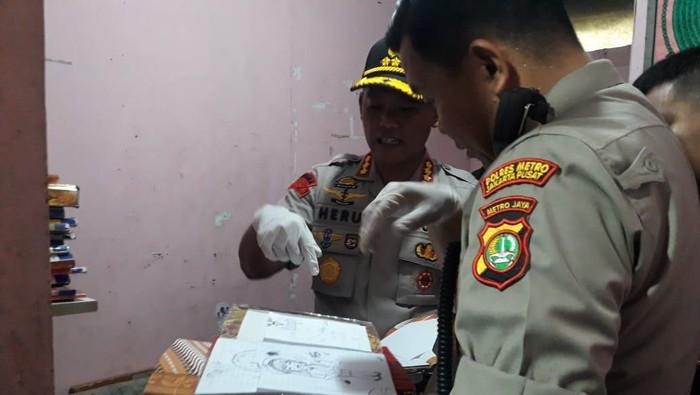 Polisi cek TKP pembunuhan bocah di Sawah Besar