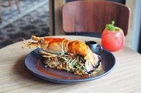 Yummy! Bisa Makan Lobster Sepuasnya dengan 10 Saus Ala China di Sini