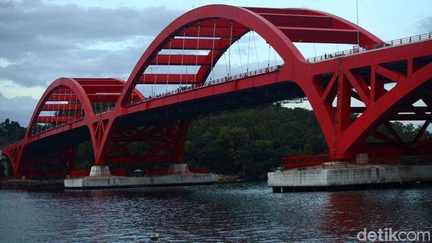 Jembatan Youtefa.