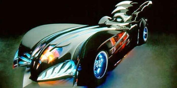 Batmobile dalam film Batman yang dibintangi Geroge Clooney