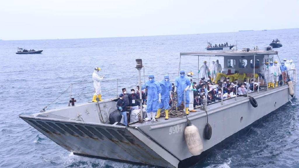 Kemlu: 963 WNI Awak Kapal yang Pulang ke RI Tak Dipecat, Hak Tetap Dipenuhi