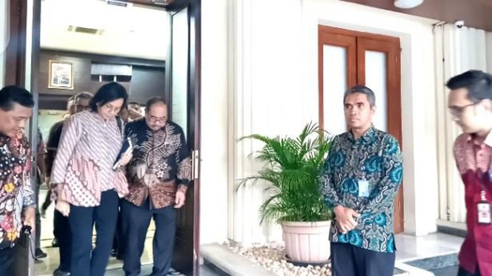 Menkeu-Jaksa Agung rapat bersama Menko Pohukam soal kasus Jiwasraya. (Foto: Kadek/detikcom)