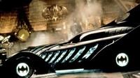 Ini Batmobile yang dipakai Val Kilmer pada Batman Forever. Sempat dikritik karena terlalu mirip mainan plastik, mobil ini pada awalnya ternyata memang didesain untuk menjadi mainan. Desainya terlihat kekanan-kanakan, namun tetap terlihat keren.